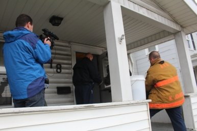 Bob Jones of WEWS coversing the installation of smoke alarms in Akron