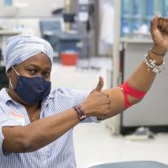May 29, 2020. Rockville, Maryland. Whole blood donor Gloria Thornton. Photo by Dennis Drenner/American Red Cross